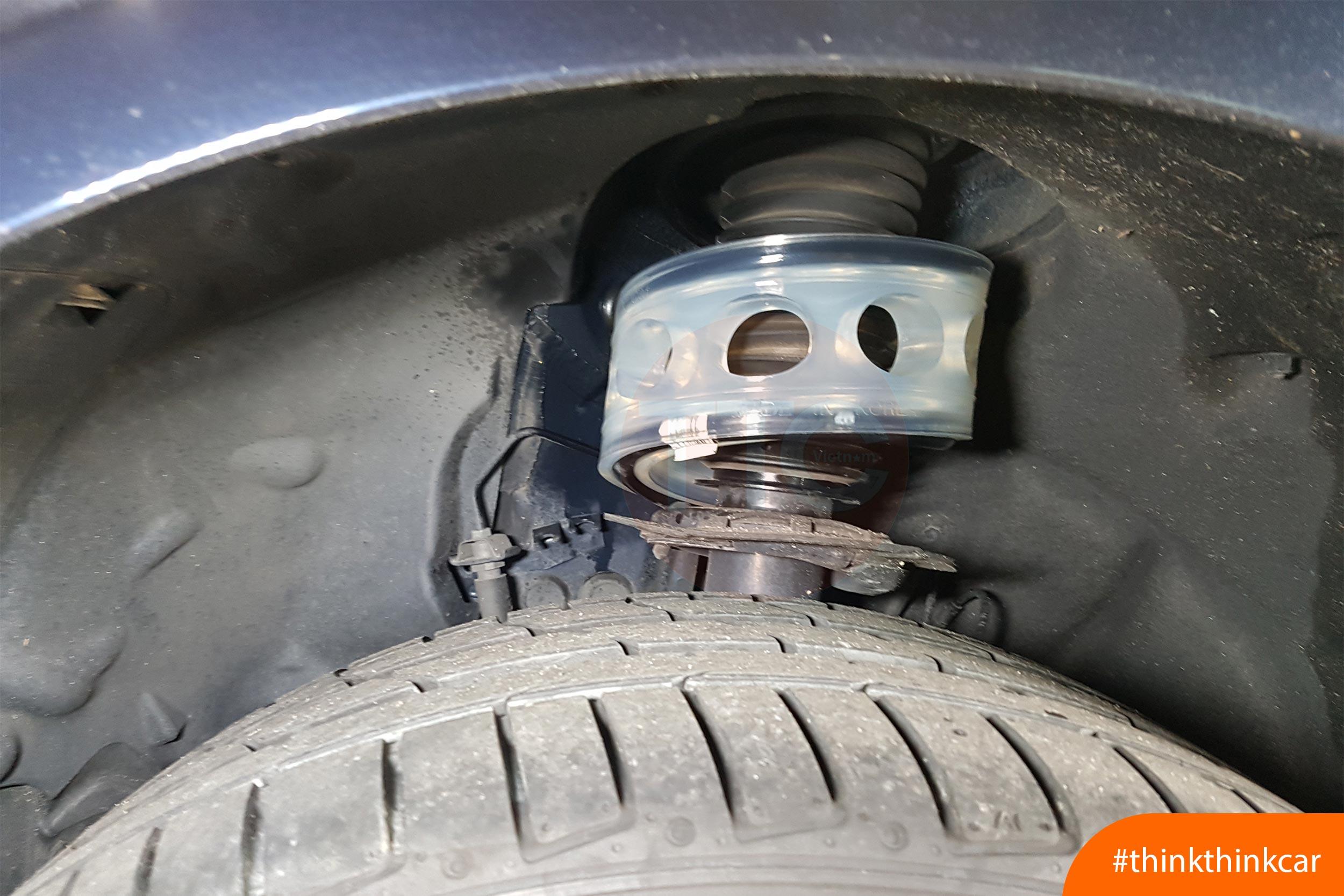 Lắp đệm giảm sóc TTC cho BMW 320i F30 Hình 2