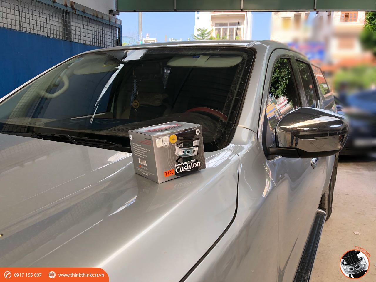 Nissan Navara NP300 lắp đặt đệm giảm chấn TTC 1