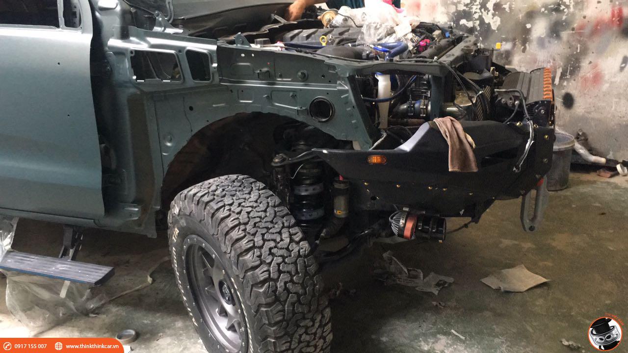 Ford Ranger lắp đệm giảm chấn hoàn tất