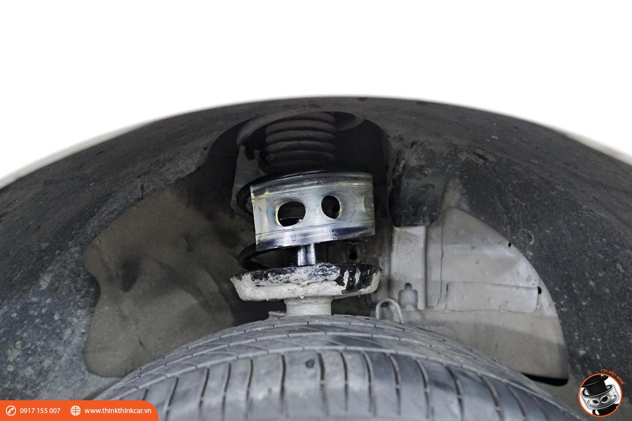 Chevrolet Cruze LTZ lắp đệm giảm chấn TTC tại MƯỜI HÙNG AUTO