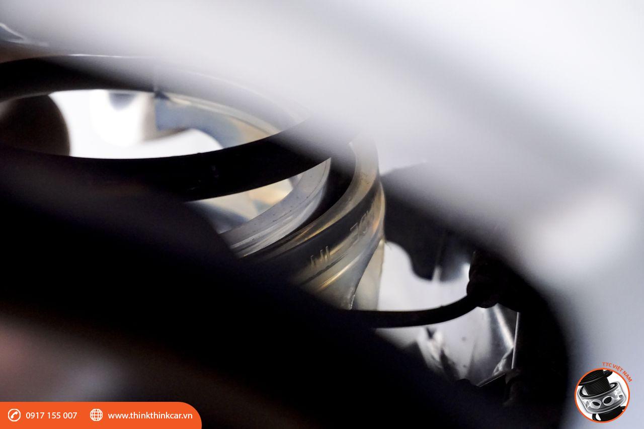 lắp đệm giảm chấn TTC cho Toyota Yaris tại Mười Hùng Auto hình 4